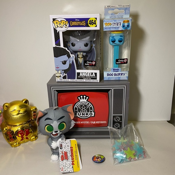 """Funko Tom And Jerry 4/"""" Plushies Gamestop Exclusives With Pin And Glow Stars"""